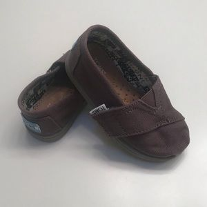 Toms Kids Shoes Size 5T in Grey